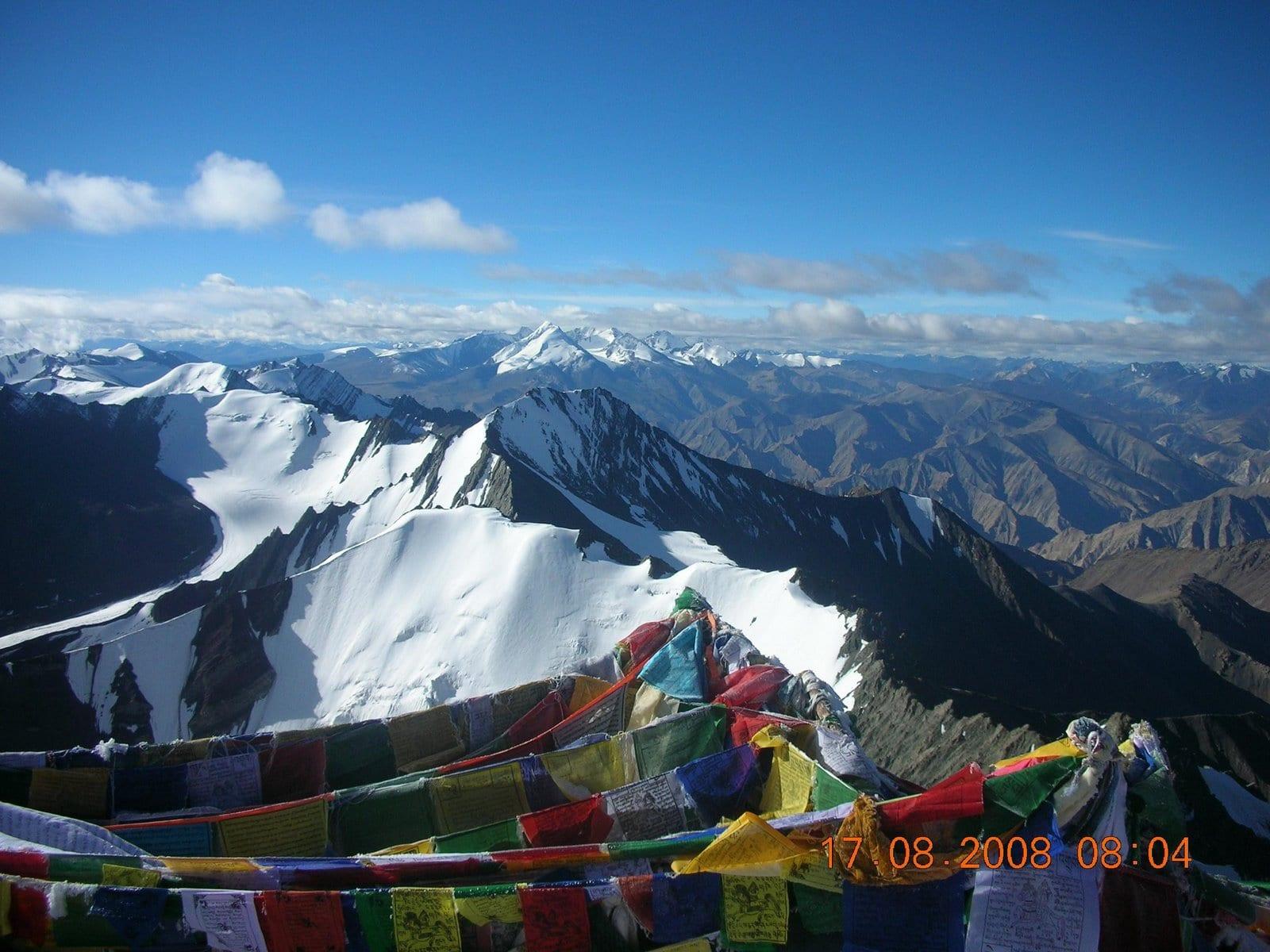 ASCENSION STOK KANGRI (6.156 mts)